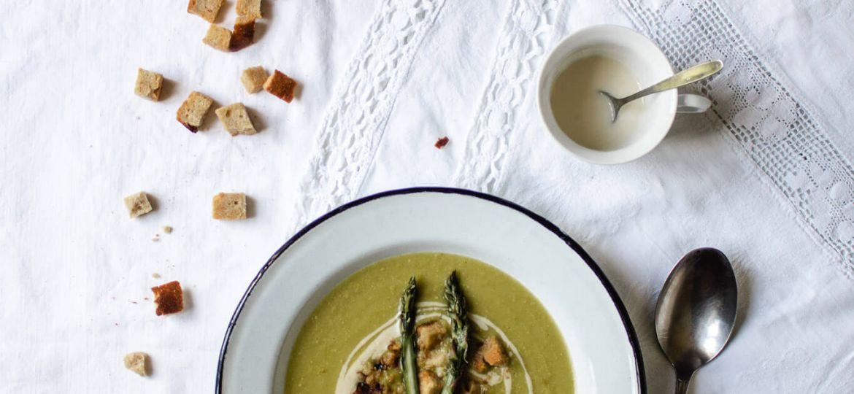 veganska špargljeva juha